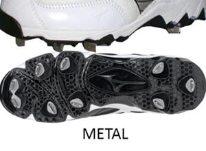 Metal vs. Molded Cleats